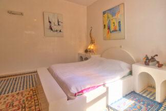 Bright and quiet bedroom