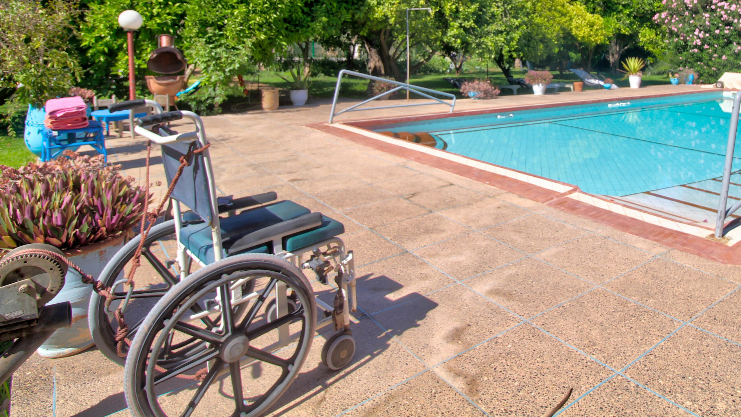 adapted swimming pool